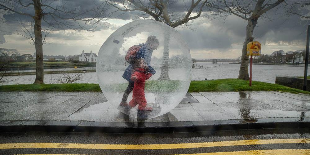 http://www.hopeitrains.ie/images/weatherproofme/drownedgalway/dfadg1.jpg